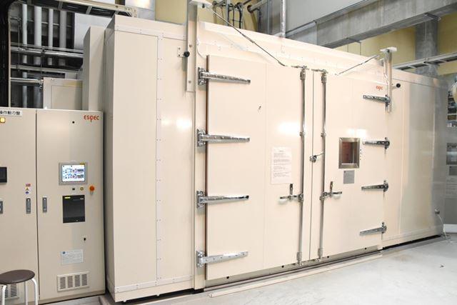 実験に利用した、とある研究施設にある人工気候室