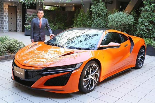 新型NSX 開発責任者の水上聡氏と、ホンダ 新型「NSX」2019年モデル