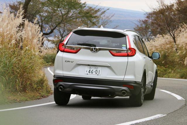 新型「CR-V」は素直なハンドリングで、走行安定性も高い
