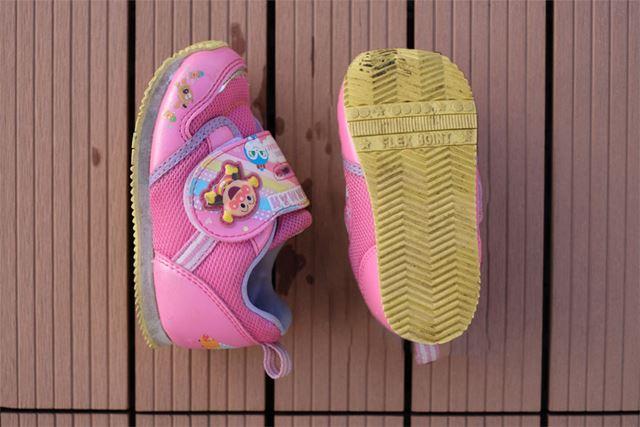 最近購入したばかりなのであまり汚れてはいませんが、この靴を洗ってみます