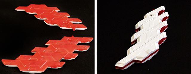 まずサイコ・プレートを半分に分けて、折りたたむように合体させます