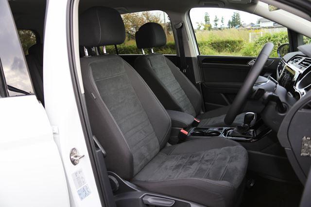 フォルクスワーゲン「ゴルフトゥーラン TDI」のフロントシートは疲れ知らずで、長距離も難なくこなせる