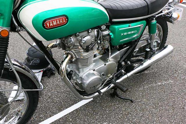 エンジンの造形も美しく、個人的にはもっともかっこいい4ストエンジンのひとつだと思っている