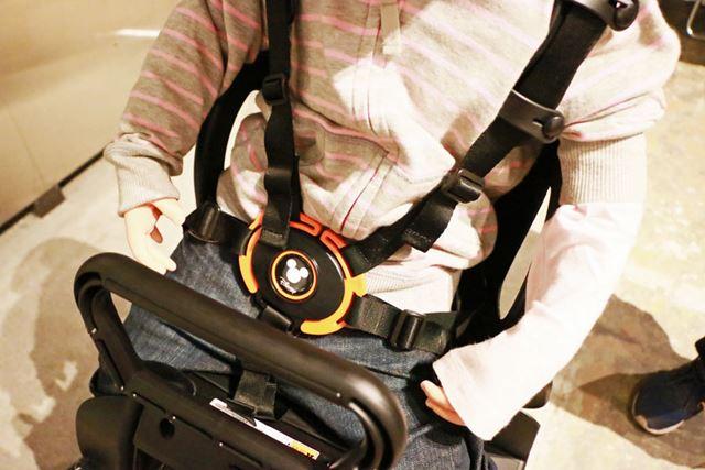 5点式のシートベルトで子どもが振り落とされないように守ってくれる