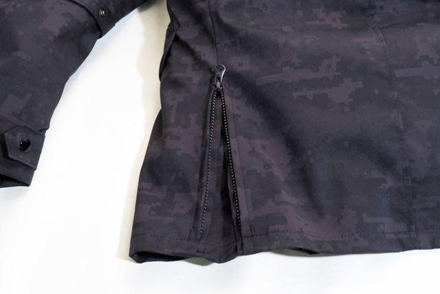 裾ファスナーがあるので、ウェアのずり上がりも軽減される