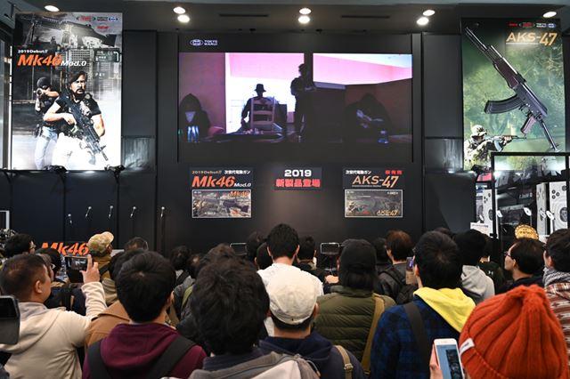 イベント開始直後に行われた発表会には多くのユーザーが駆けつけた