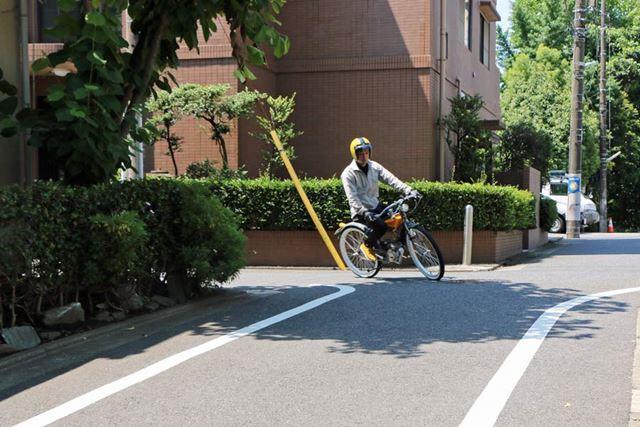 結構小回りも効くので、市街地での移動手段としては最適。コーナリングも扱いやすいので、気負わず乗れる