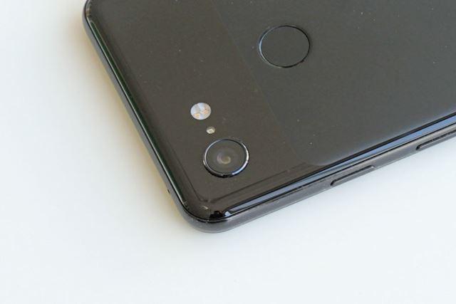 「Pixel 3」は、メインカメラがシングルカメラという、最近のハイエンドスマートフォンでは珍しい仕様