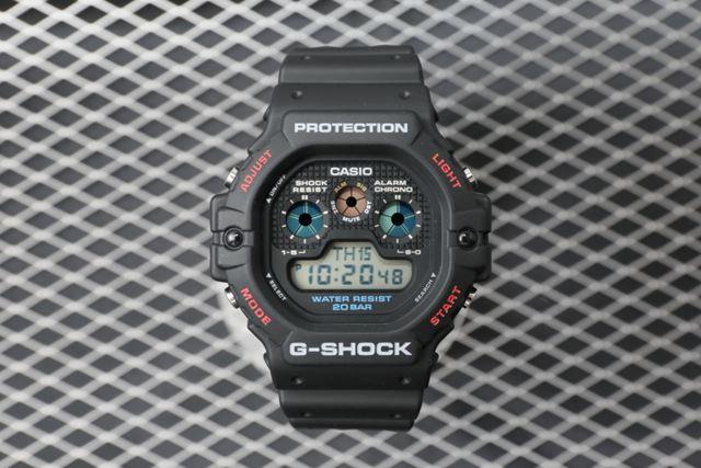 2018月11月発売のG-SHOCK「DW-5900-1JF」。公式サイト価格は、11,880円(税込)
