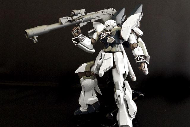 バズーカは砲身を長いものに変えて、単体で持つこともできます