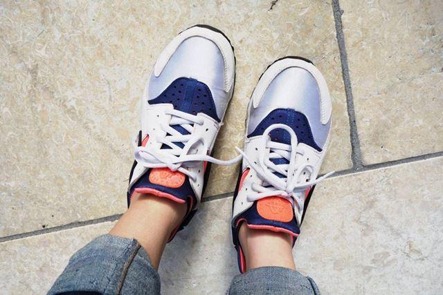 ちょっと厚手なので、合わせる靴によってはキツイかも。スニーカーは大丈夫でした