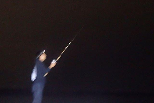 カニ釣りに誘ってくれた友達。この健全な夜遊びっていう感じがいいんですよ