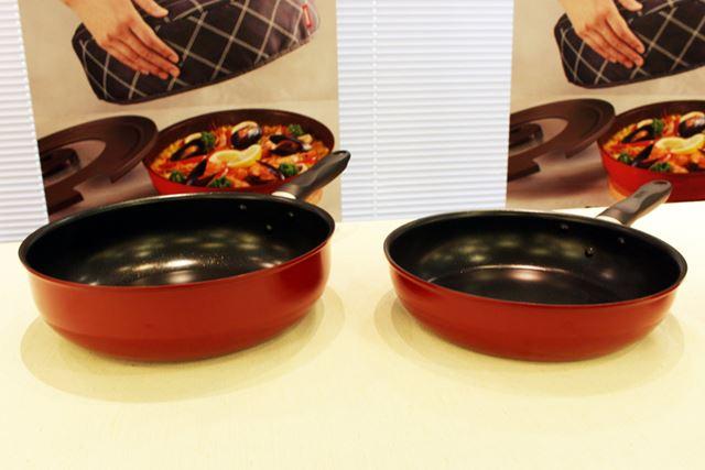 「サーモス フライパン KFBシリーズ」はレッドの1色のみ。内側の色もブラックとなります