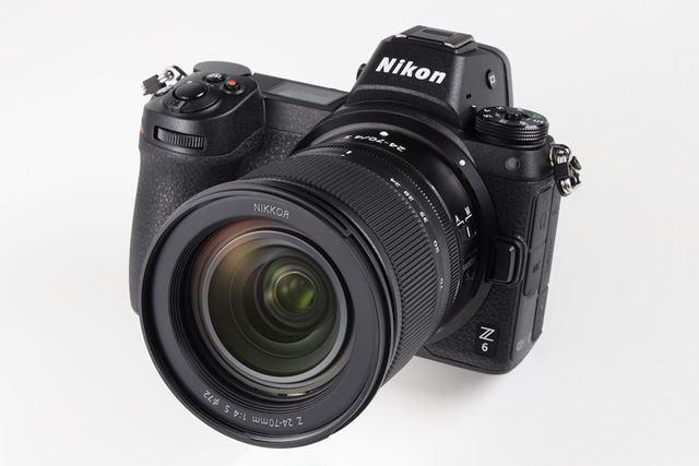 11月23日に発売されたZ 6。画像は標準ズームレンズ「NIKKOR Z 24-70mm f/4 S」を装着したイメージ