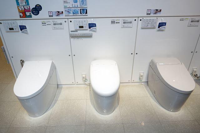 TOTOの上位モデルはウォシュレット一体形のタンクレストイレ「ネオレスト」