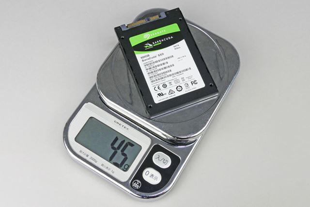 「BarraCuda SSD」の重量は、実測で45gとメーカー公称値よりも軽量だった