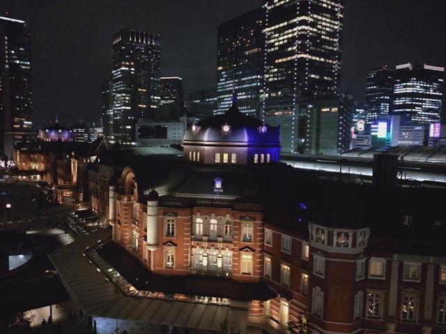 手持ちで夜景を撮影。手ぶれ、光量不足、ノイズなどは見られずなかなかきれい