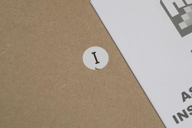 各パーツにはアルファベットが振られており、組み立て時に裏表などまで含めてわかりやすい