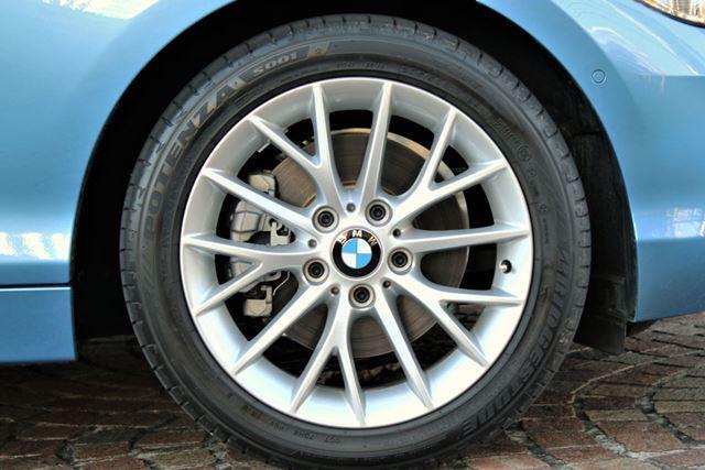 ややばたつく印象があるのは、標準車より1インチアップされたタイヤが影響している可能性も
