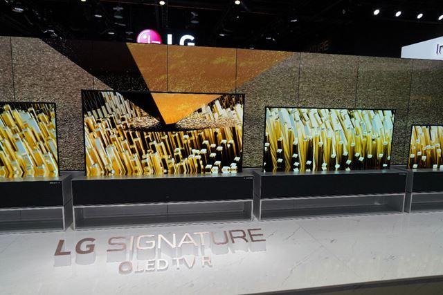テレビラック部に65型の画面を収納するスタイル
