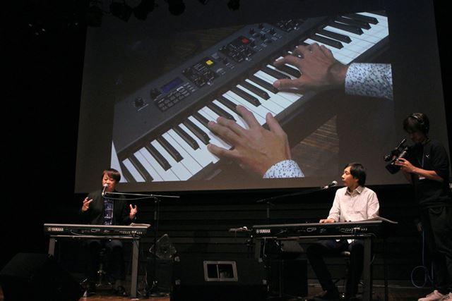 写真左が本間昭光さん、右が松本圭司さん。両者がCP88/73の音を実際に鳴らしながら、その魅力を紹介した