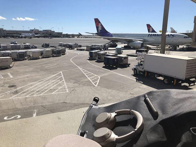 搭乗したのは成田-ホノルル間のハワイアン航空