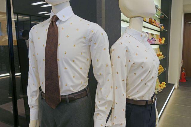 着こなしよってはスーツにも合います。写真はピカチュウ柄(左)、イーブイ柄(右)