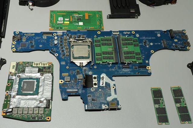 CPUはデスクトップ用のものを搭載する。GPUは左下のDGFFをサポート