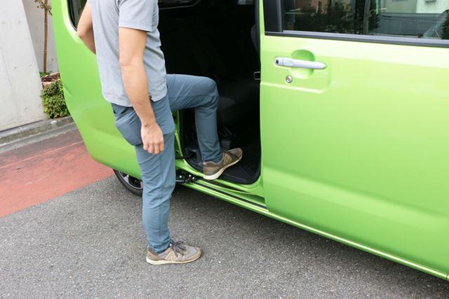 全高は高めだが、車高は低め設計なので乗り降りしやすいので、子どもや高齢者のいる家庭にもよさそう