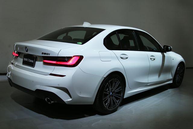 BMW 新型「320i」のリアイメージ
