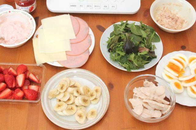 中に巻く食材は自由! 手巻き寿司のように、家族の好きな食材を自由に組み合わせて巻き巻きしましょう!