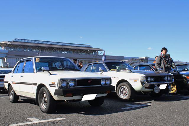 トヨタ「カローラ1600GT」(左)と、「セリカ1600GT」(右)