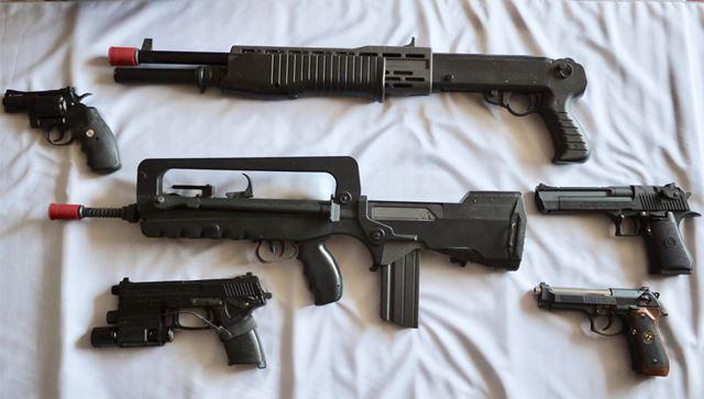 並べると、押収された銃器のようになってしまいました