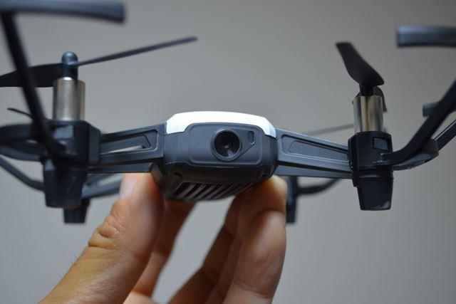500万画素のカメラを搭載。最大高度の10mからでもSNSに載せる程度なら問題なく使えます