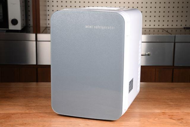 おひとり様サイズの「自分専用おとしずか冷温庫」。写真は10Lサイズ