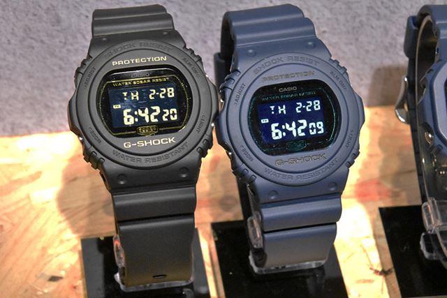 クラシックな装いの「DW-5700BBM-1JF」(左)と「DW-5700BBM-2JF」。各12,420円(税込)