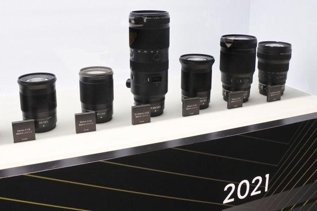 ニコンは2019年〜2020年に登場するZマウントレンズのモックも展示していた