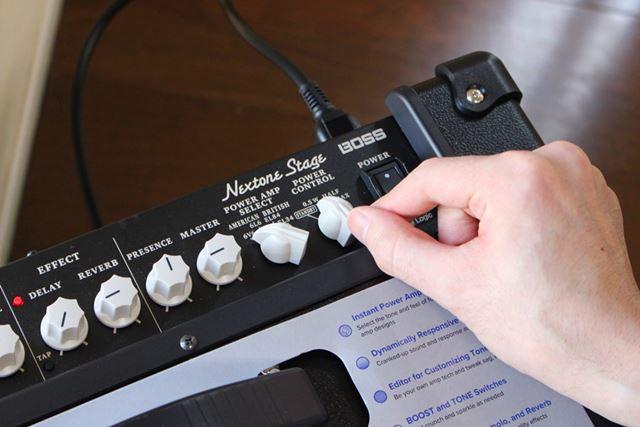 このパワー・コントロールノブによって、音色と音量の調整が飛躍的にやりやすくなる!