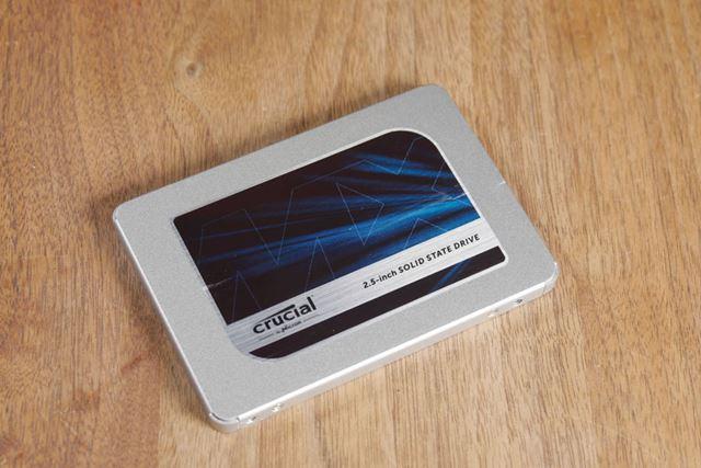 換装に使用するのはcrucialのSSD「MX500 CT1000MX500SSD1/JP」(1TB)