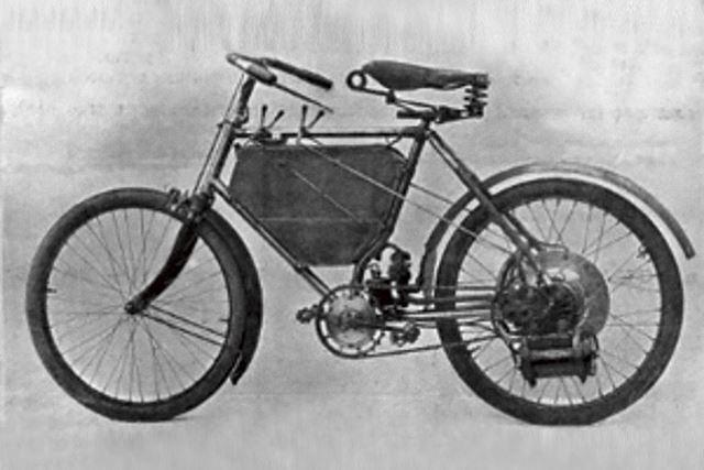 1898年に披露されたプジョー初のバイクは、モペットのようなルックス。ただし、市販されることはなかった