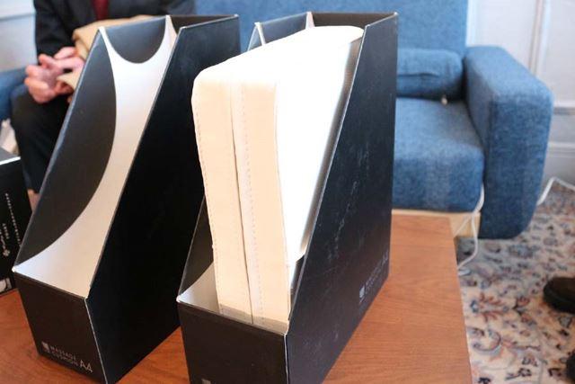 A4サイズなので、収納は専用のファイルボックスに。すっぽり収まります