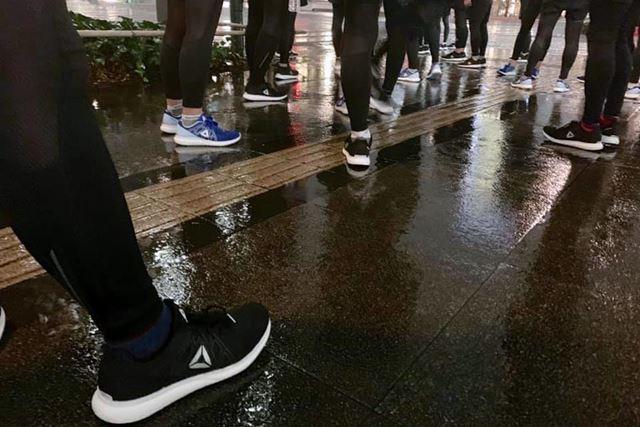 道路に凸凹の多い街中のランでも、着地時に足首をひねってしまうような足の左右への揺れも特になかった