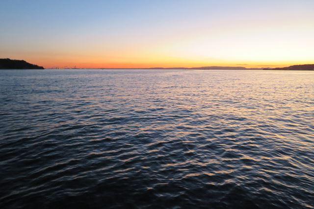 明るくなるのを待って釣り始めたが、1月の早朝は厳し過ぎた