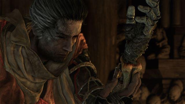 主人公は忍義手と刀を武器に主を取り戻す旅に出る