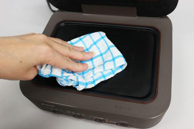 パンしか焼かないとはいえ、できれば洗浄したい