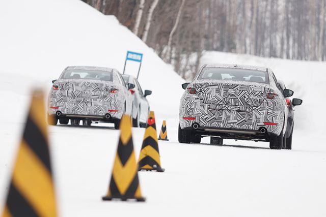 今回は、カモフラージュが施された新型MAZDA3の開発車両を使った試乗テストとなった