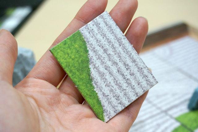 砂紋カードのひとつ。苔のないもの、渦のあるものなど、さまざまな紋様が描かれています