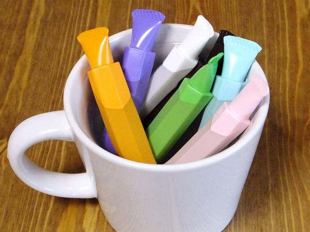 チョコペンは、40〜50℃の湯せんで溶かして使います