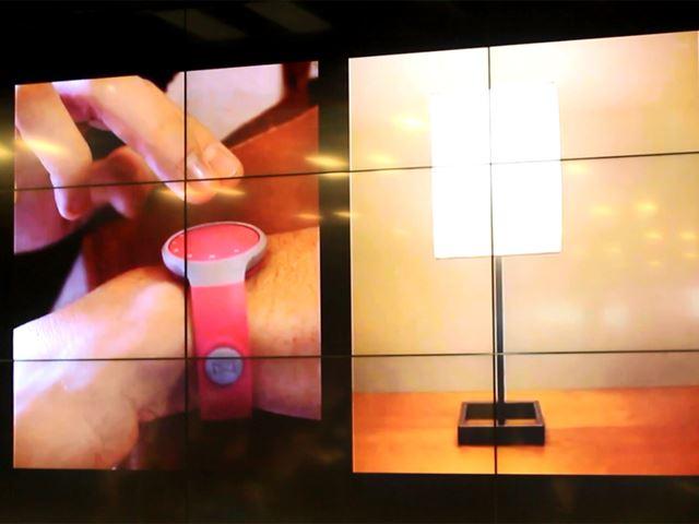 FLASHの本体を押すとランプが点灯する機能は、アメリカですでに使用されている