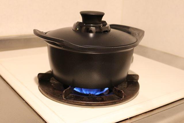 付属の鍋は直火にも対応